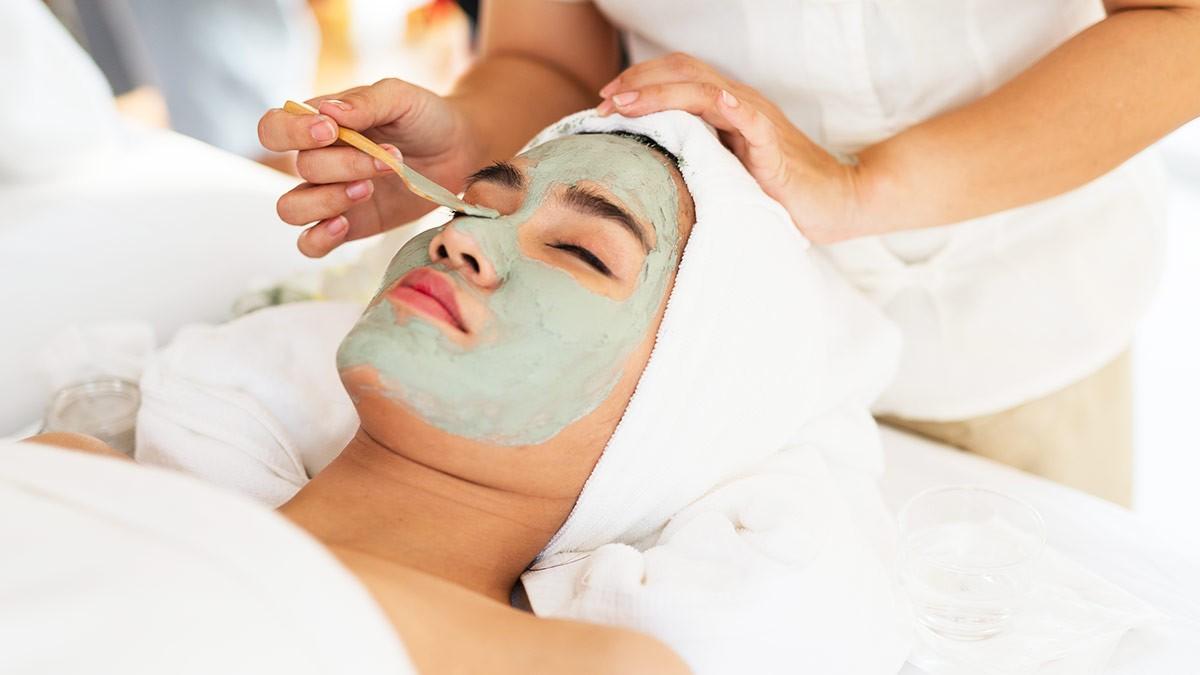 Процедуры по лечению угревой сыпи на лице